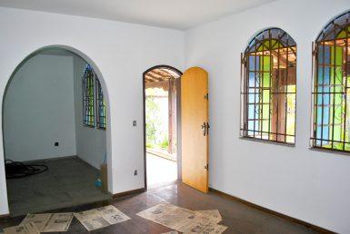 Foto Casa de 4 quartos à venda no Alto Caiçaras em Belo Horizonte - Imagem 01