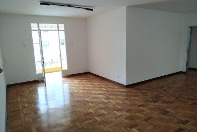Foto Casa de 3 quartos para alugar no Barroca em Belo Horizonte - Imagem 01