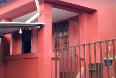 Foto Casa de 3 quartos à venda  em Nova Lima - Imagem 01