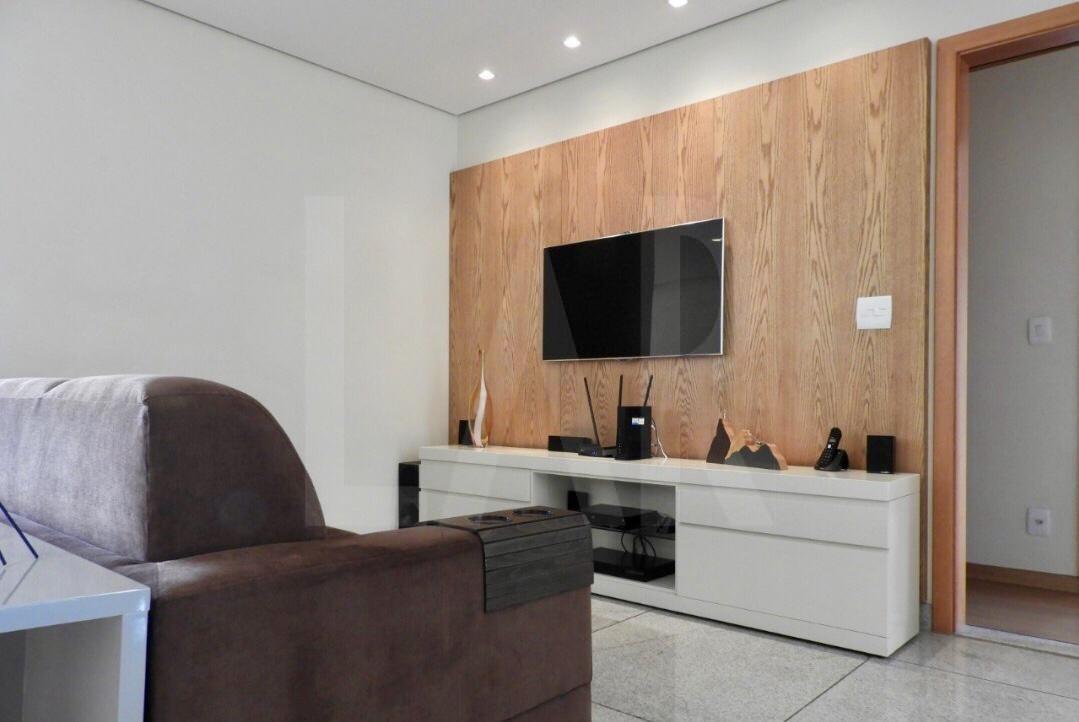 Foto Apartamento de 4 quartos à venda no Santo Antônio em Belo Horizonte - Imagem 02