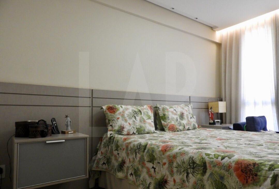 Foto Apartamento de 4 quartos à venda no Santo Antônio em Belo Horizonte - Imagem