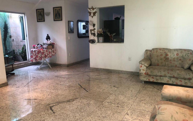 Foto Casa de 6 quartos para alugar no Nova Suiça em Belo Horizonte - Imagem 04