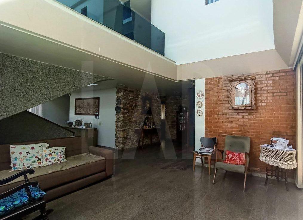 Foto Casa de 4 quartos à venda no São Bento em Belo Horizonte - Imagem 02