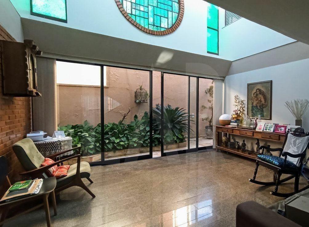 Foto Casa de 4 quartos à venda no São Bento em Belo Horizonte - Imagem 04