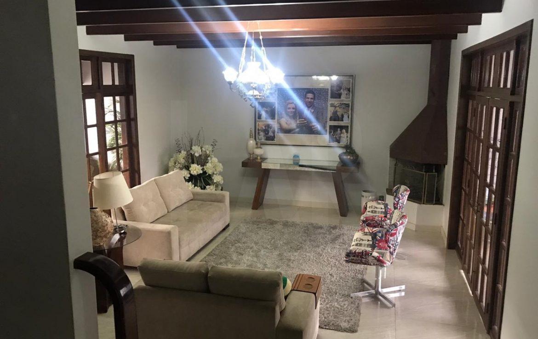 Foto Casa de 6 quartos à venda no São Bento em Belo Horizonte - Imagem 02