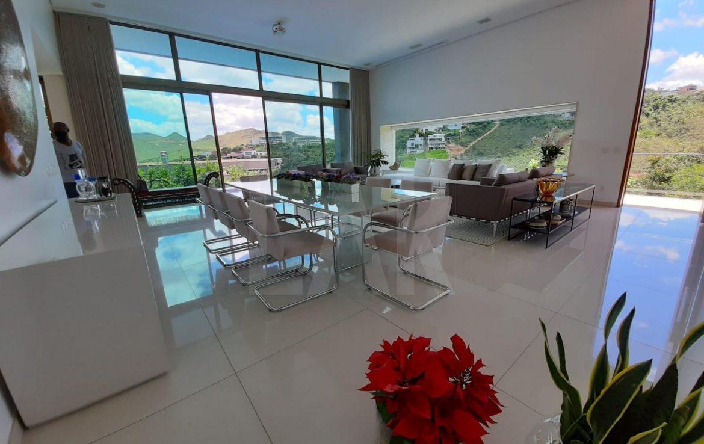 Foto Casa em Condomínio de 4 quartos à venda no Vale dos Cristais em Nova Lima - Imagem 02