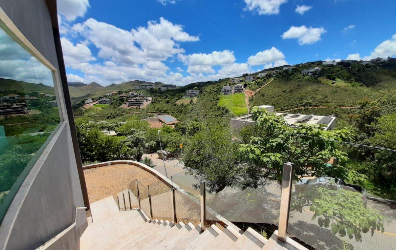 Foto Casa em Condomínio de 4 quartos à venda no Vale dos Cristais em Nova Lima - Imagem