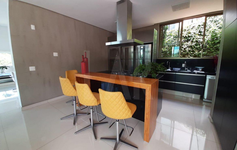 Foto Casa em Condomínio de 4 quartos à venda no Vale dos Cristais em Nova Lima - Imagem 05
