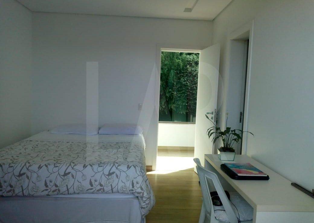 Foto Casa em Condomínio de 4 quartos à venda no Vale dos Cristais em Nova Lima - Imagem 07