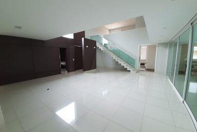Foto Casa em Condomínio de 4 quartos à venda  em Nova Lima - Imagem 01