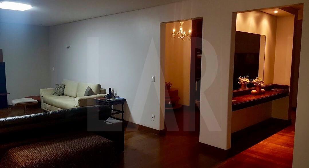Foto Apartamento de 4 quartos à venda no Santo Antônio em Belo Horizonte - Imagem 04