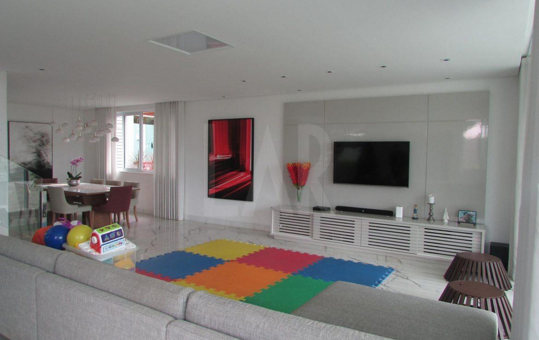 Foto Casa de 4 quartos à venda no São Luiz em Belo Horizonte - Imagem 02