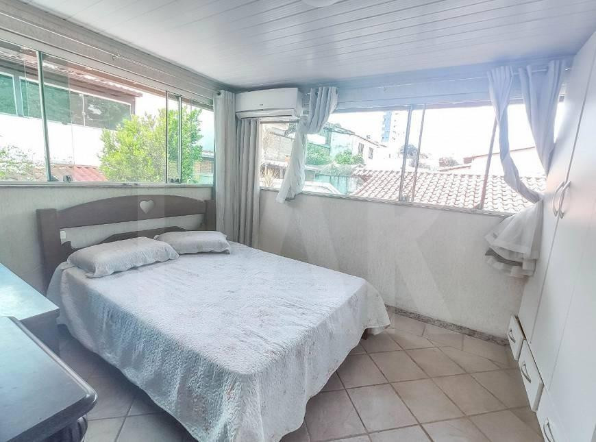 Foto Casa de 6 quartos à venda no Itapoã em Belo Horizonte - Imagem