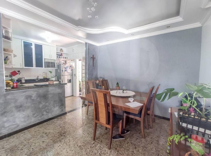 Foto Casa de 6 quartos à venda no Itapoã em Belo Horizonte - Imagem 07