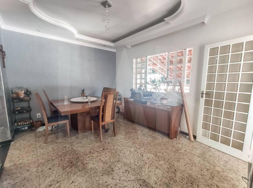Foto Casa de 6 quartos à venda no Itapoã em Belo Horizonte - Imagem 08