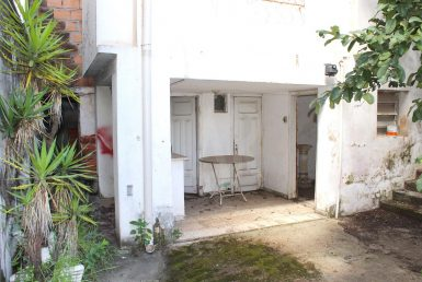 Foto Casa Comercial de 1 quarto para alugar no Prado em Belo Horizonte - Imagem 01