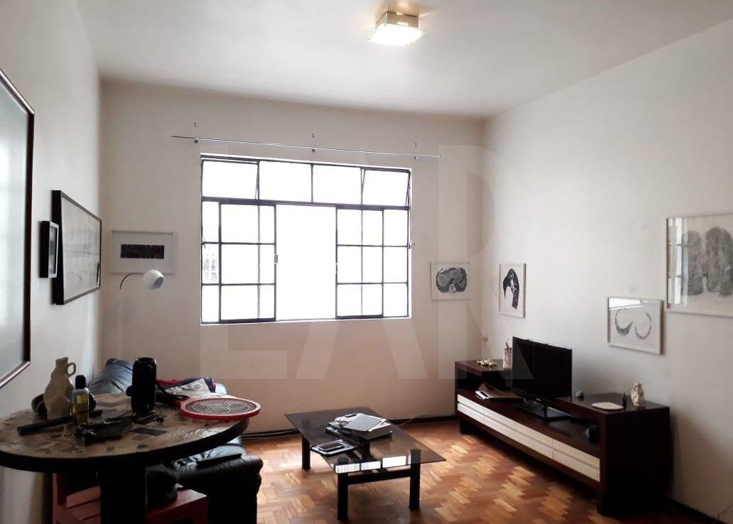 Foto Apartamento de 3 quartos para alugar no Lourdes em Belo Horizonte - Imagem 04