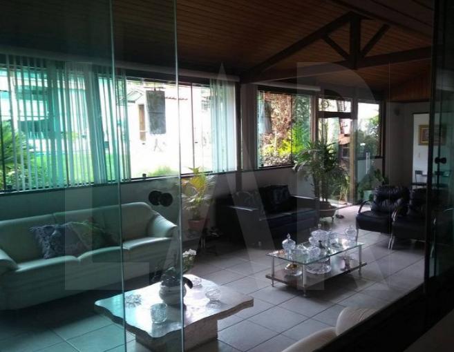 Foto Casa de 5 quartos à venda no Bandeirantes (Pampulha) em Belo Horizonte - Imagem 02