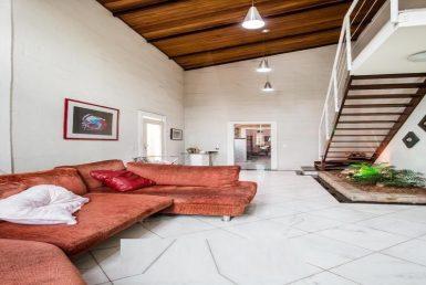 Foto Casa de 5 quartos à venda na Pampulha em Belo Horizonte - Imagem 01