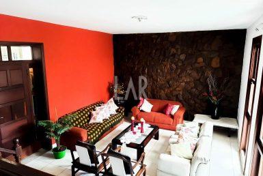Foto Casa de 7 quartos à venda no Carlos Prates em Belo Horizonte - Imagem 01