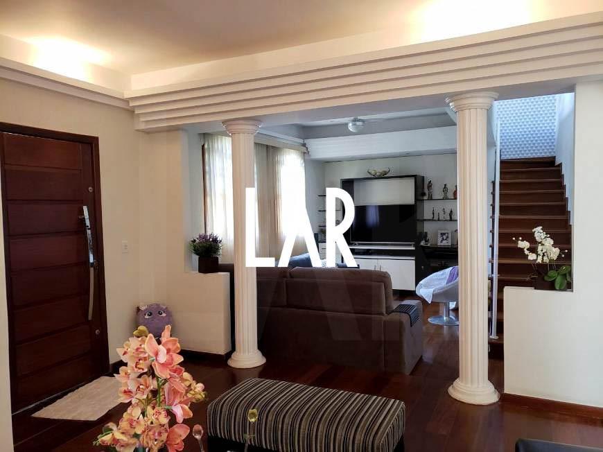 Foto Casa de 6 quartos à venda no Jaraguá em Belo Horizonte - Imagem 02