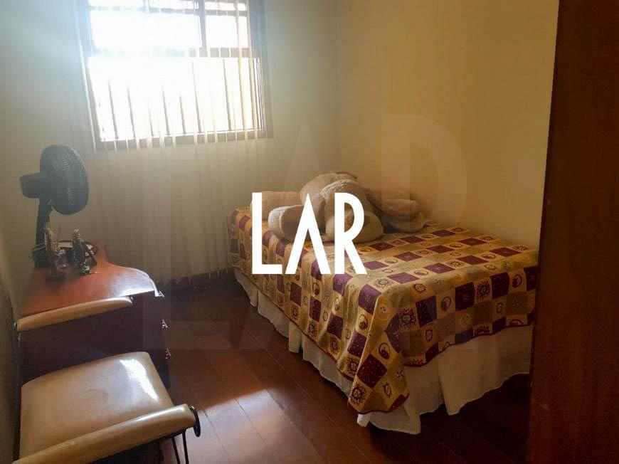 Foto Casa de 6 quartos à venda no Jaraguá em Belo Horizonte - Imagem 09