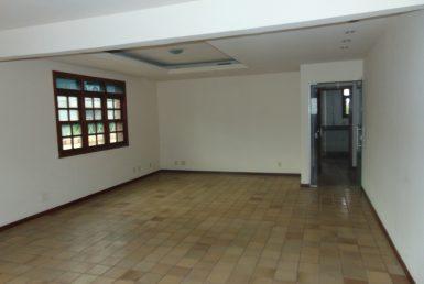 Foto Casa de 8 quartos à venda no Santa Tereza em Belo Horizonte - Imagem 01