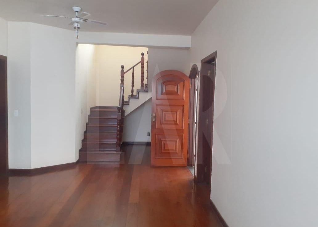 Foto Casa de 6 quartos para alugar no Palmares em Belo Horizonte - Imagem 02
