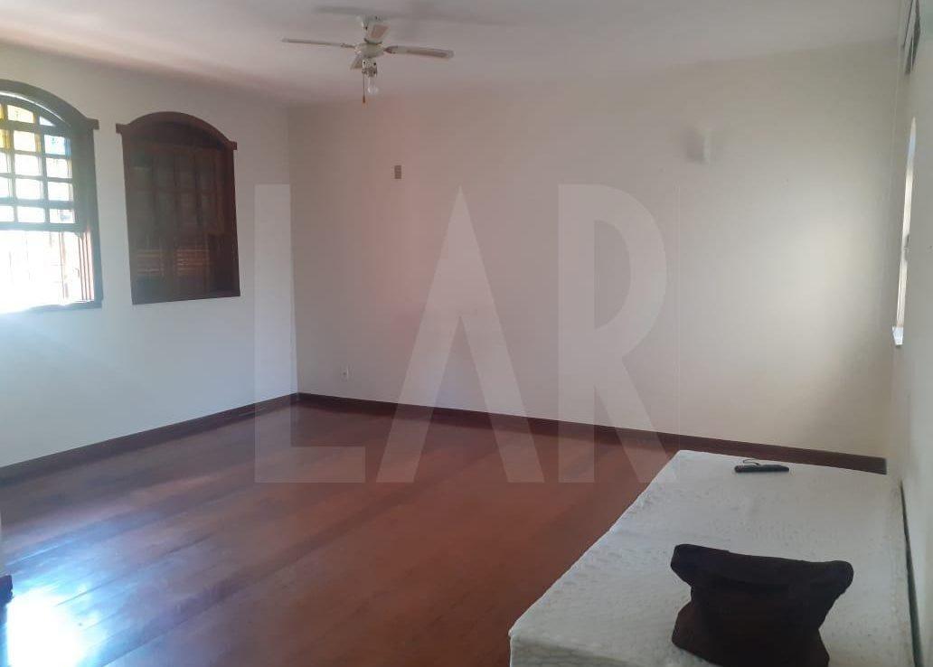 Foto Casa de 6 quartos para alugar no Palmares em Belo Horizonte - Imagem 04