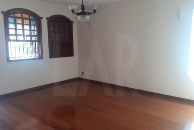Foto Casa de 6 quartos para alugar no Palmares em Belo Horizonte - Imagem 01