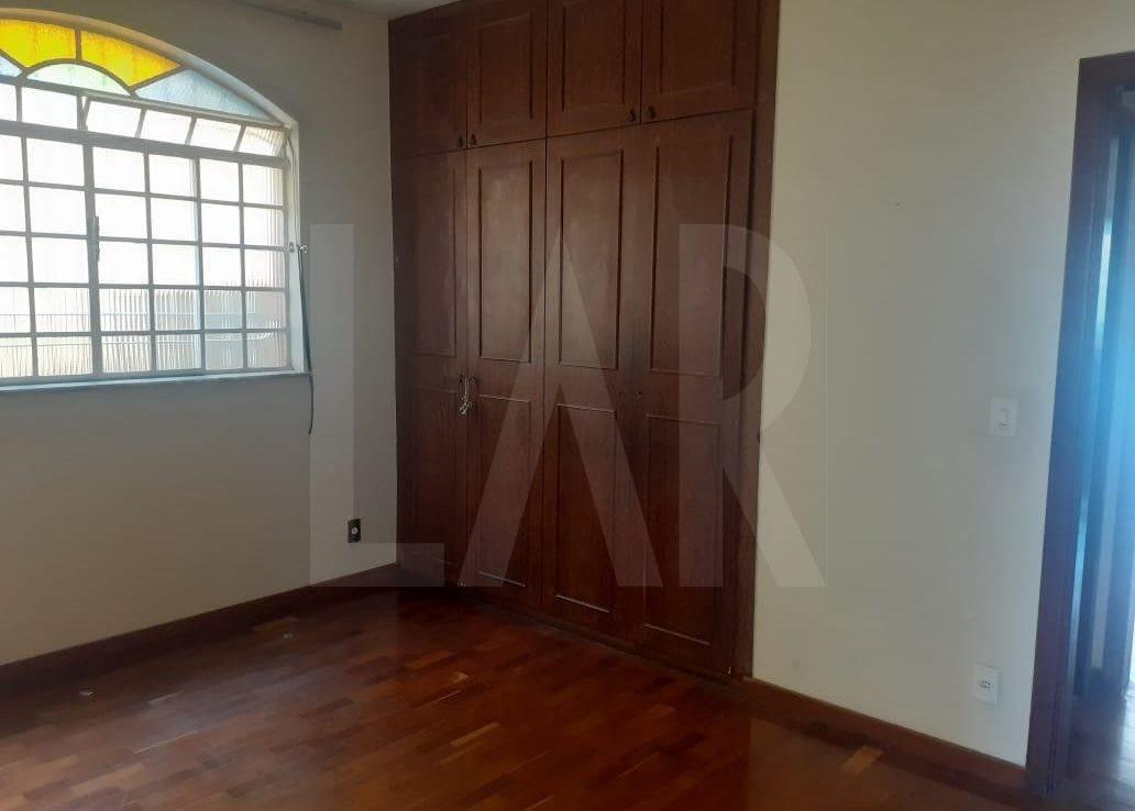 Foto Casa de 6 quartos para alugar no Palmares em Belo Horizonte - Imagem 08
