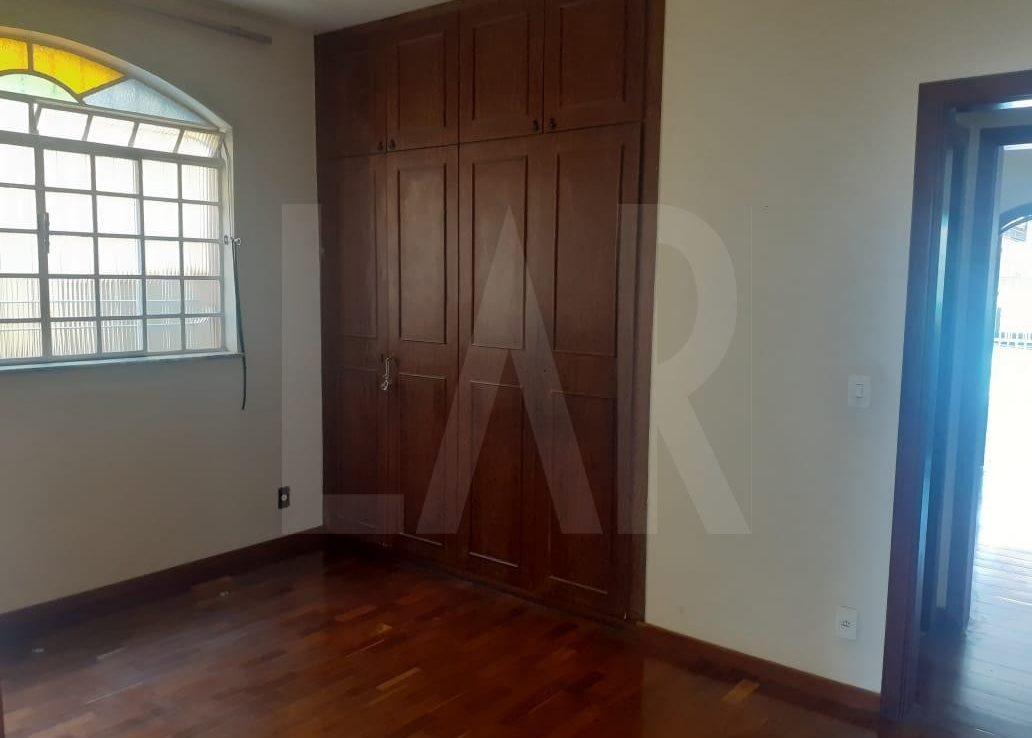 Foto Casa de 6 quartos para alugar no Palmares em Belo Horizonte - Imagem 09
