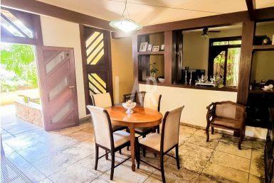 Foto Casa de 4 quartos à venda na Pampulha em Belo Horizonte - Imagem 01