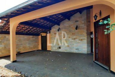 Foto Casa de 4 quartos para alugar no Itapoã em Belo Horizonte - Imagem 01