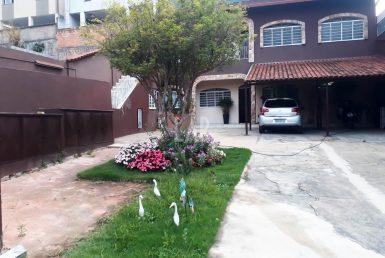 Foto Casa de 4 quartos à venda no Heliópolis em Belo Horizonte - Imagem 01
